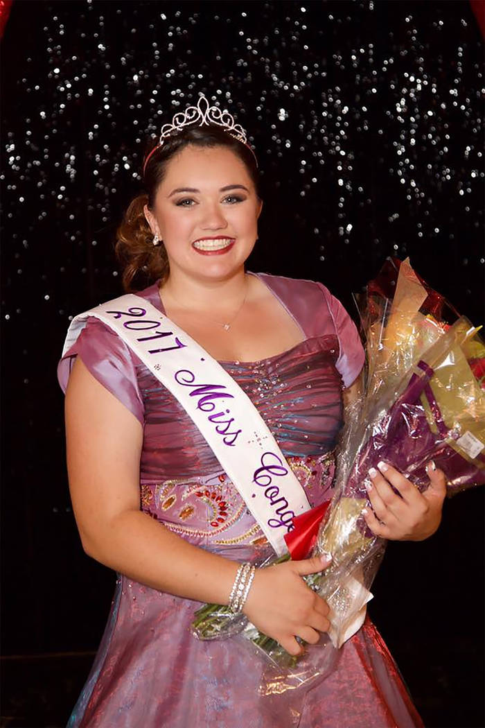 Shelby Ledford crowned Miss Pahrump 2017