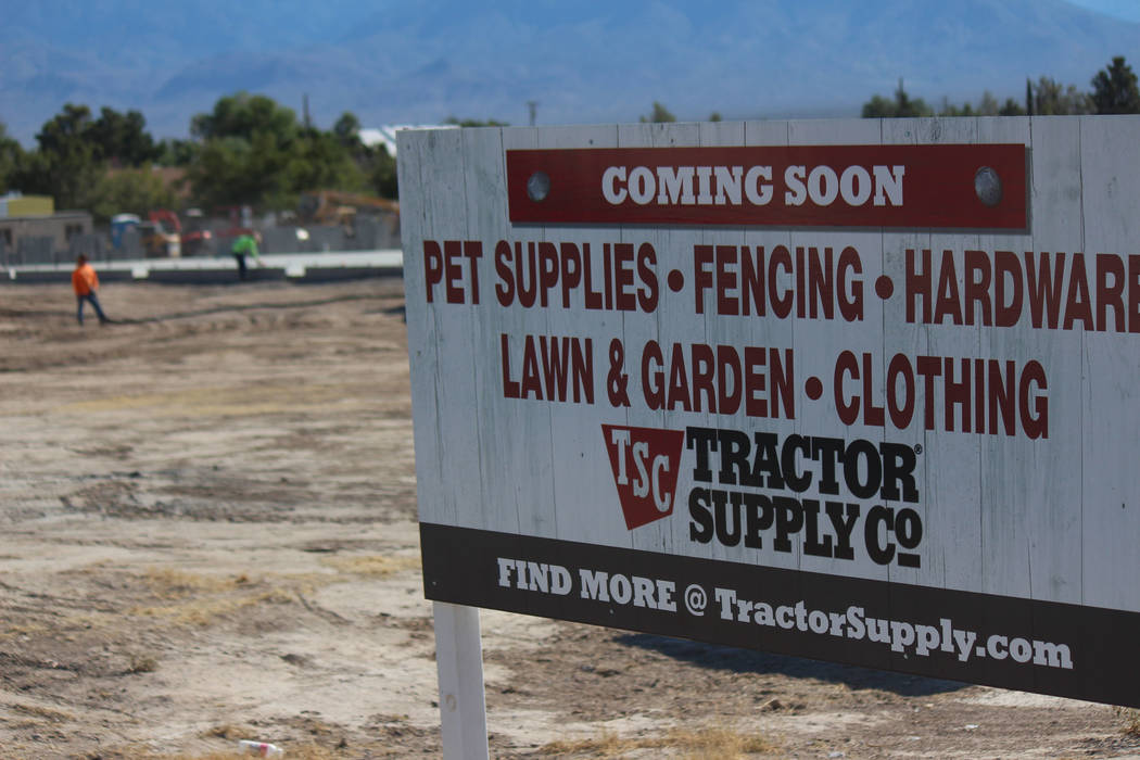 Jeffrey Meehan/Pahrump Valley Times Tractor Supply Co. retail store at 900 E. Highway 372 under construction on June 26, 2017. The 19,097-square-foot store is pegged for a fall opening and will be ...