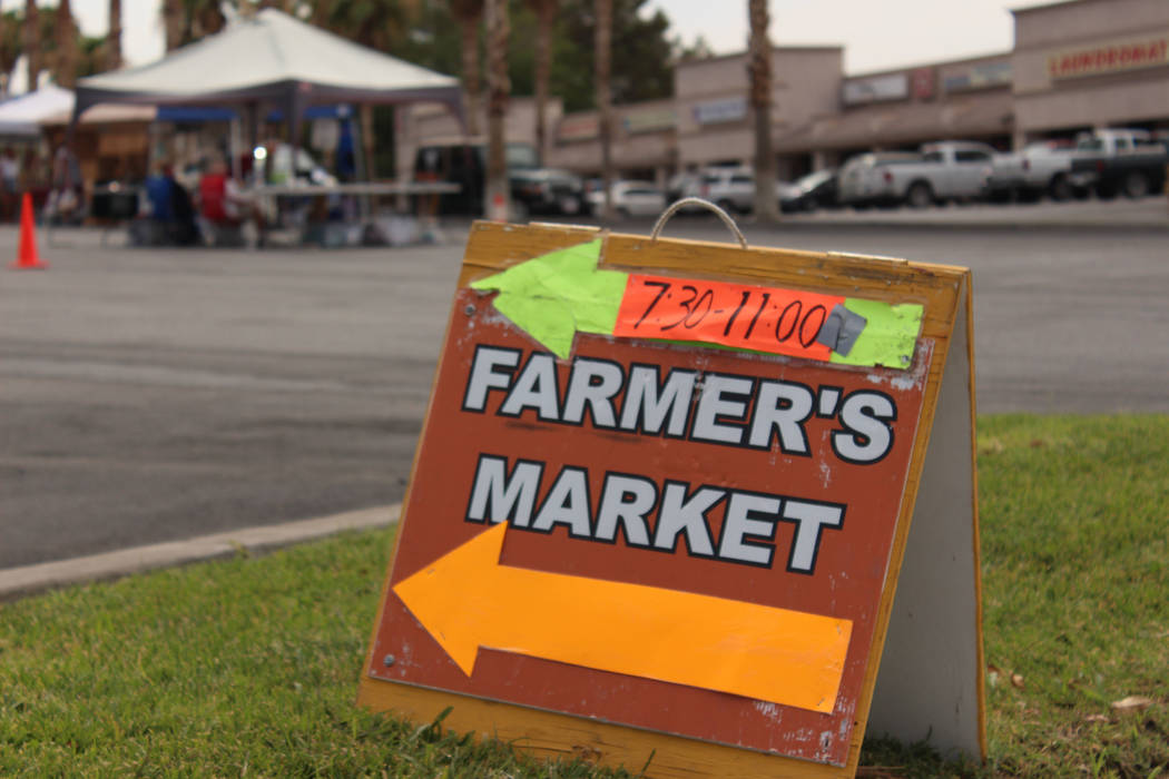 Jeffrey Meehan/Pahrump Valley Times Farmer's market sign to alert motorists about the event on July 8, 2017.