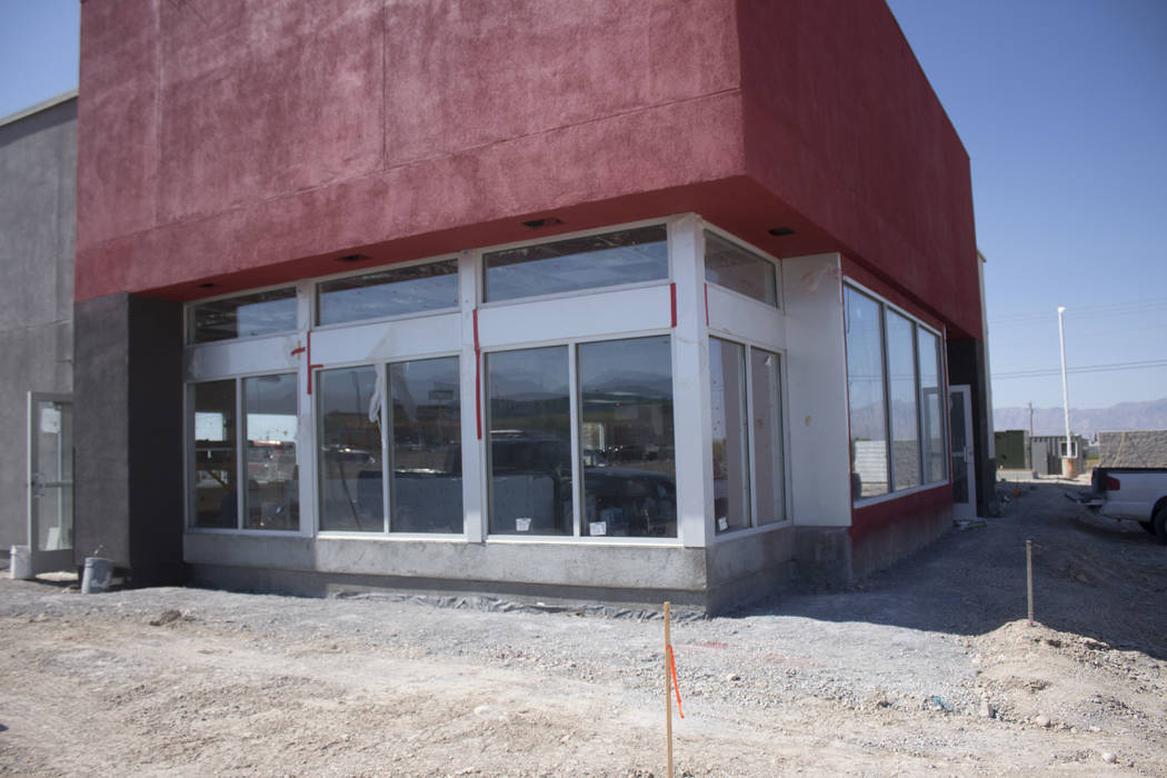 Jeffrey Meehan/Pahrump Valley Times Work in the interior and exterior moving along on the new Jack in the Box restaurant at 640 S. Highway 160 on August 14, 2017. The store is projected to open ne ...