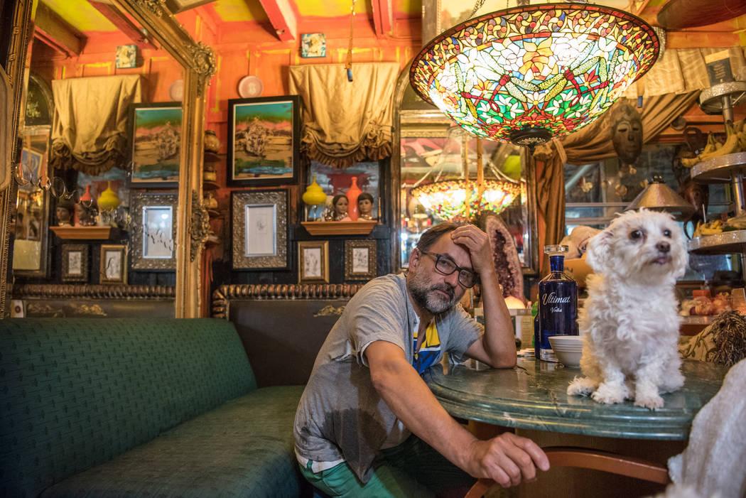 Villa Anita artist Carlos Roncancio on Tuesday, July 25, 2017, in Tecopa, California. (Morgan Lieberman/Las Vegas Review-Journal)