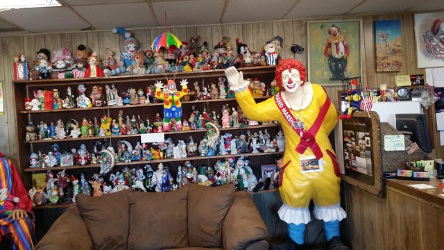 The owner of the Clown Motel in Tonopah said happy clowns in the style of Ronald McDonald and Bozo the Clown are the ones featured at the property, not mean or scary clowns. David Jacobs/Pahrump V ...