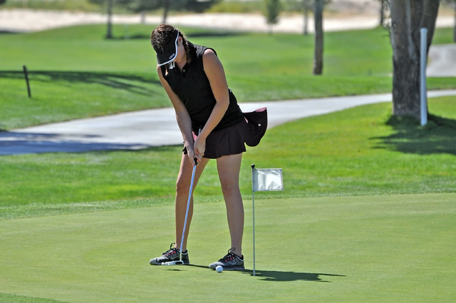 Horace Langford Jr. / Pahrump Valley Times Makalea Petrie practices her short game at Mountain Falls. Petrie and Krista Toomer should be the top golfers on the team this year.