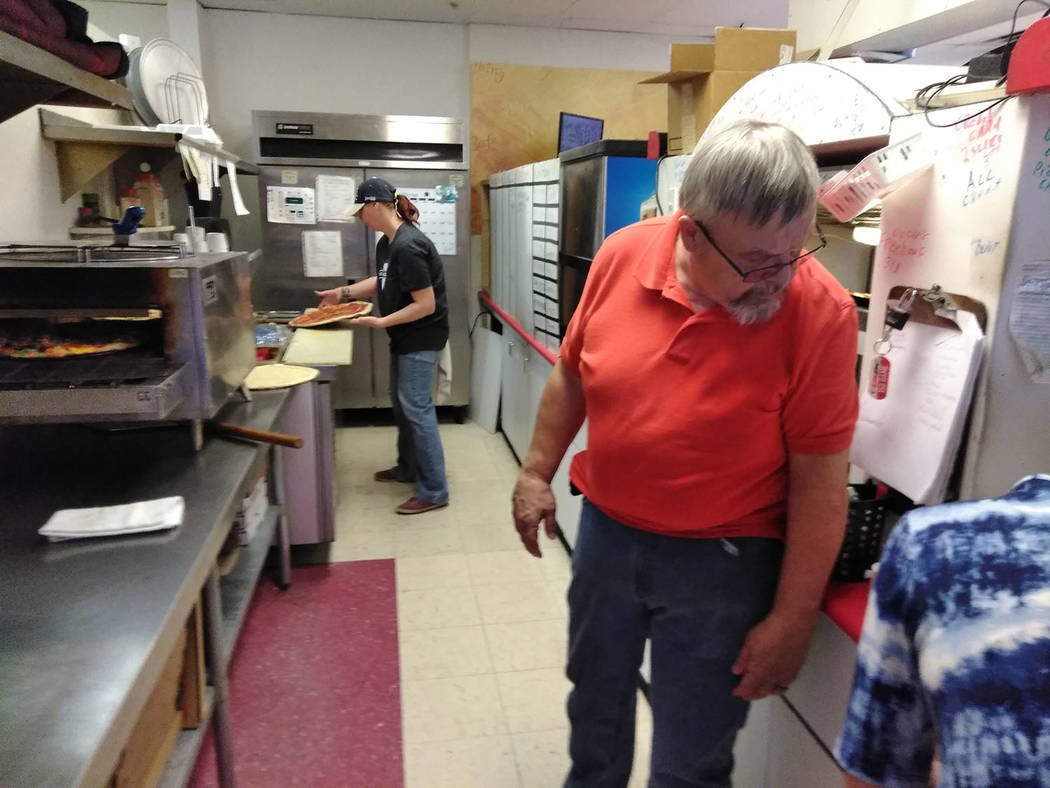 Selwyn Harris/Pahrump Valley Times  Tarantino's Pizza utilizes a national restaurant online-ordering company known as Slice to conduct their daily delivery orders. Slice is dedicated to making a ...