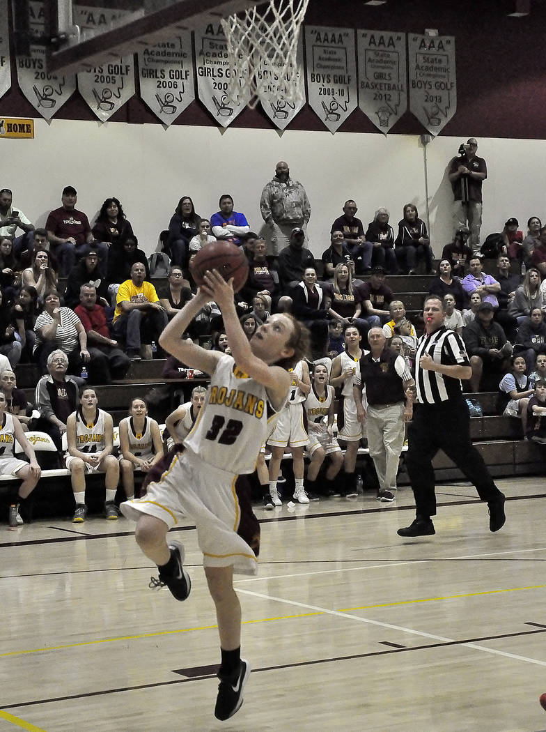 Horace Langford Jr./Pahrump Valley Times Freshman Makayla Gent gets ahead of the field for Pahrump Valley during Friday's game against Western in Pahrump.