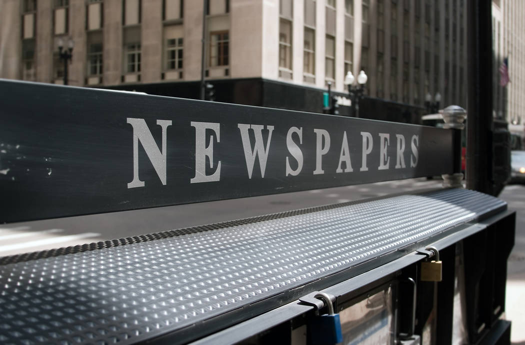 Thinkstock More than 1,300 daily newspapers still bring the news to millions of readers in the United States, while more than 7,000 non-daily newspapers serve communities.