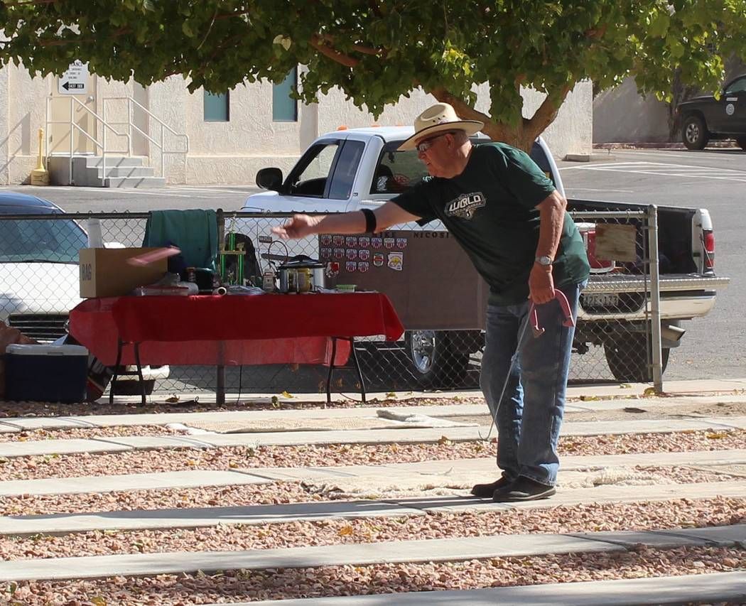 Tom Rysinski/Pahrump Valley Times Dennis Andersen competes in the Pahrump Boo horseshoes tournament on Oct. 27 at Petrack Park in Pahrump.
