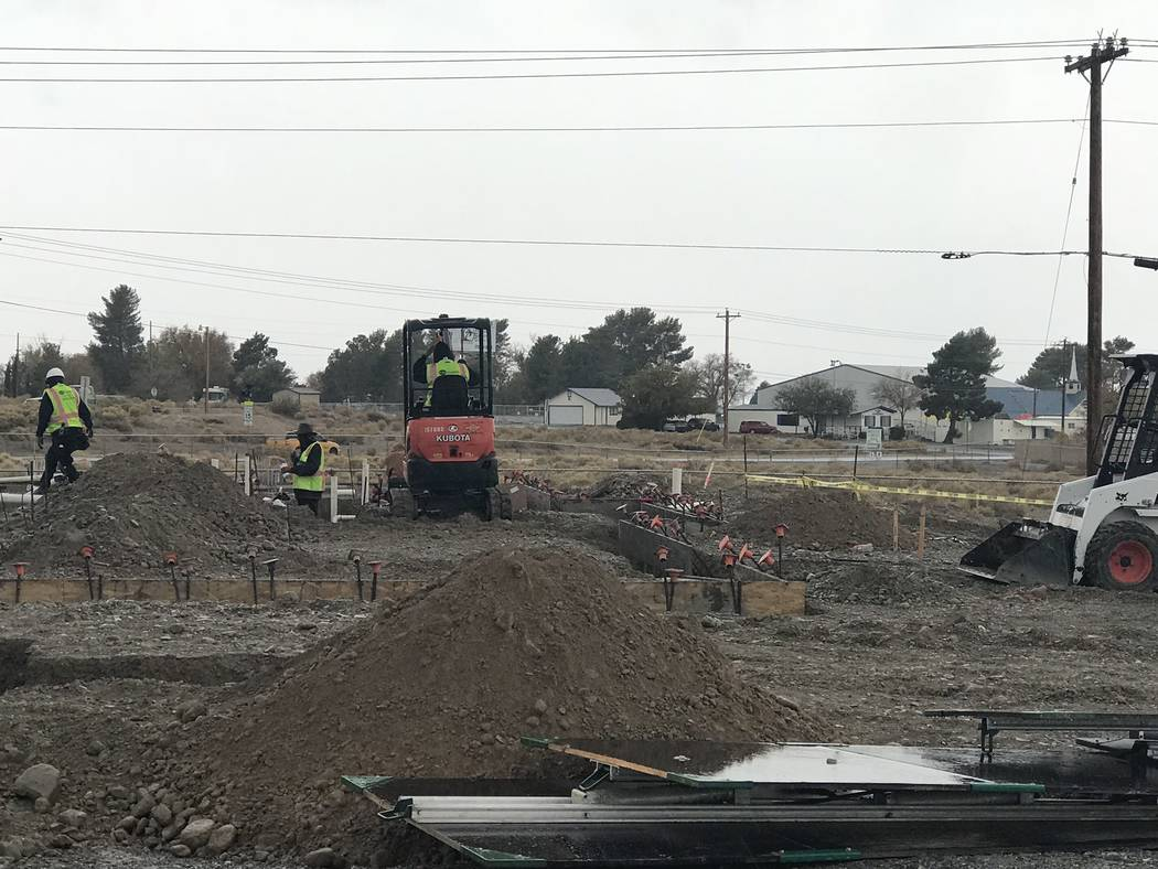 Jeffrey Meehan/Pahrump Valley Times Crews work at 460 S. Highway 160 in Pahrump on a new Starbucks location on Nov. 29, 2018. Records with the Nye County Recorders Office show a memorandum of leas ...