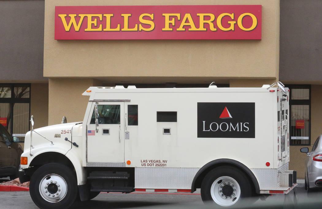 Loomis armored bank truck is parked outside a Wells Fargo branch at 1121 Las Vegas Blvd South on Tuesday, Jan. 16, 2018, in Las Vegas. (Bizuayehu Tesfaye/Las Vegas Review-Journal @bizutesfaye)