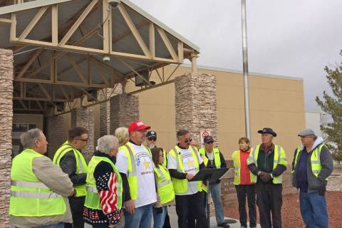 Robin Hebrock/Pahrump Valley Times New Nevada State Movement chairman Robert Thomas III reads the Declaration of Independence from the State of Nevada on Jan. 21 while surrounded by supporters. Al ...