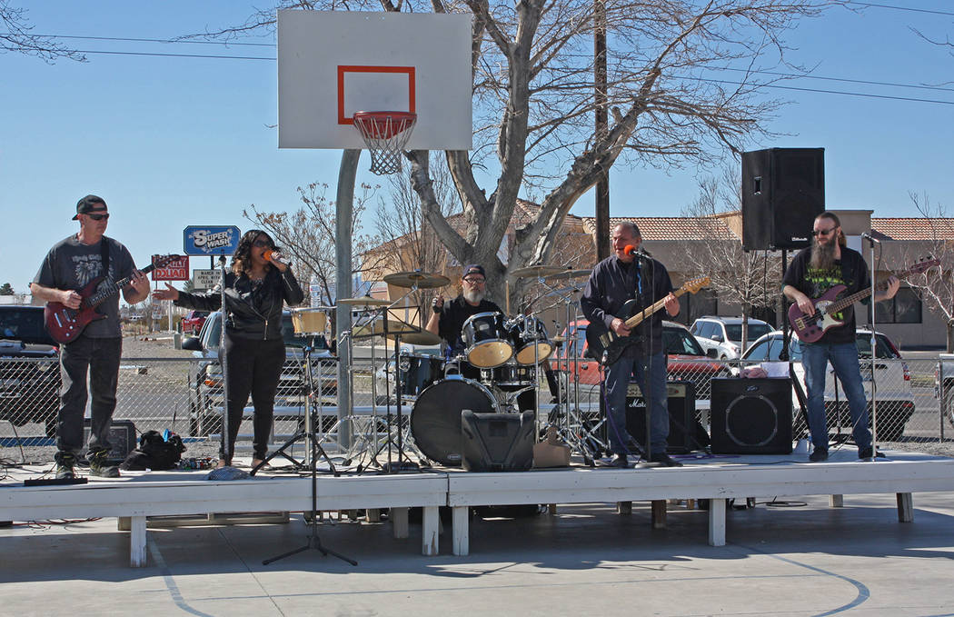 Robin Hebrock/Pahrump Valley Times The local band Incognito spent their weekend serenading the audience at the Silver State Chili Cook-off.