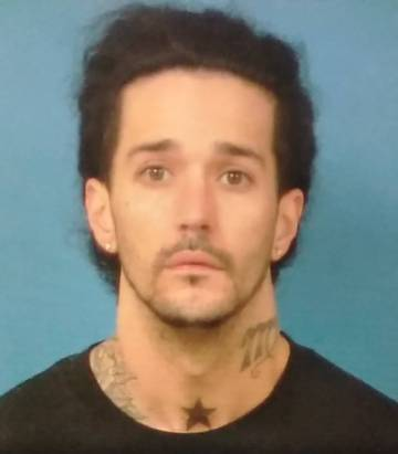 Special to the Pahrump Valley Times Felony fugitive suspect Caesar Roman, 36, of Las Vegas was ...