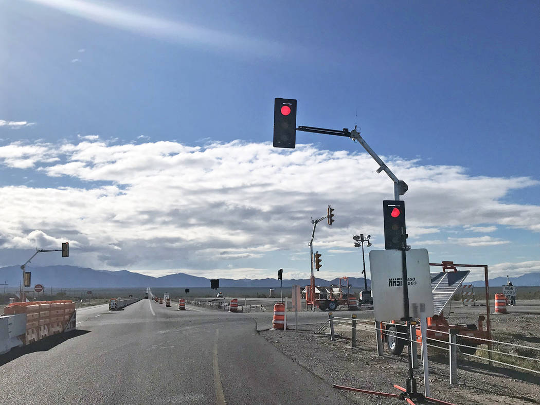 Jeffrey Meehan/Pahrump Valley Times A temporary stoplight was added at Tecopa Road and Highway ...