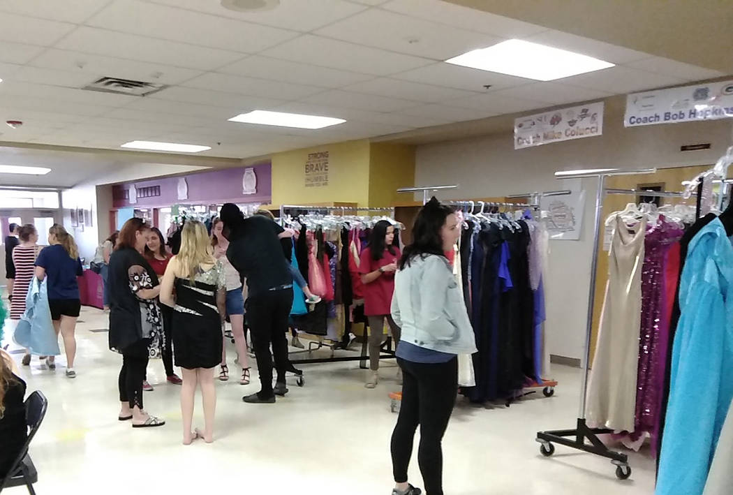Selwyn Harris/Pahrump Valley Times Scores of Pahrump Valley High School students visited Saturd ...