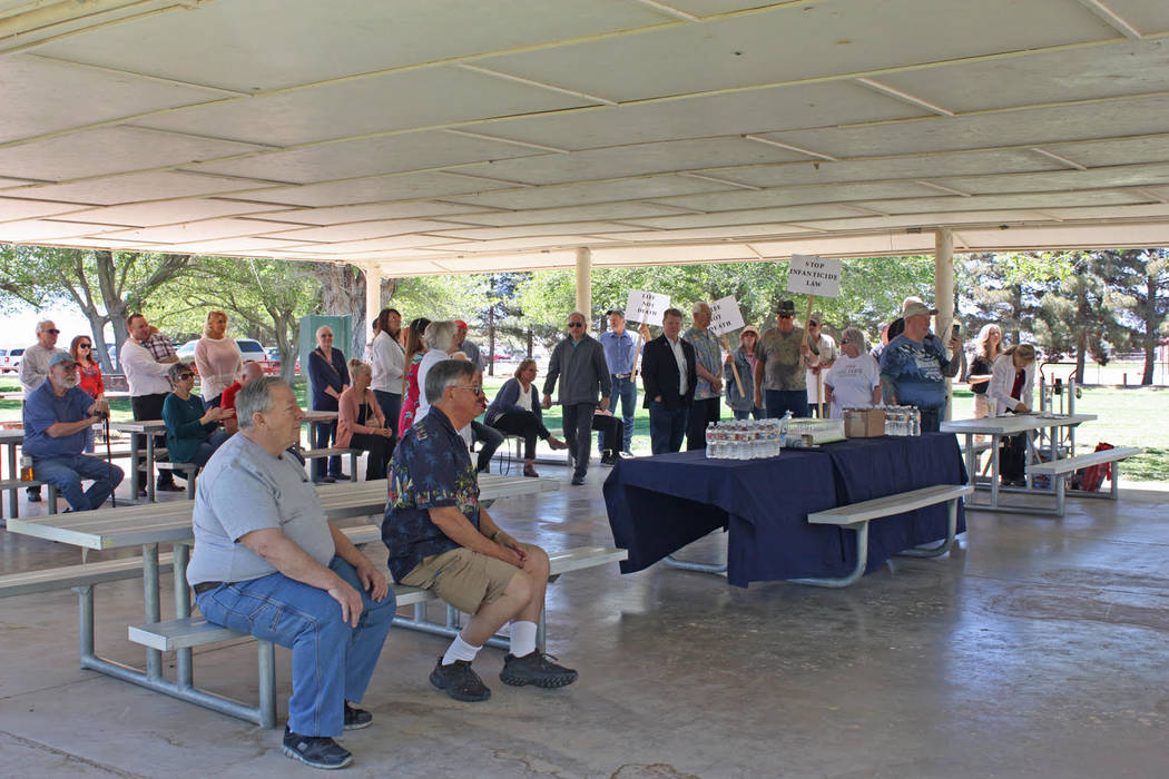 Robin Hebrock/Pahrump Valley Times Dozens of Pahrump area residents gathered together to show t ...