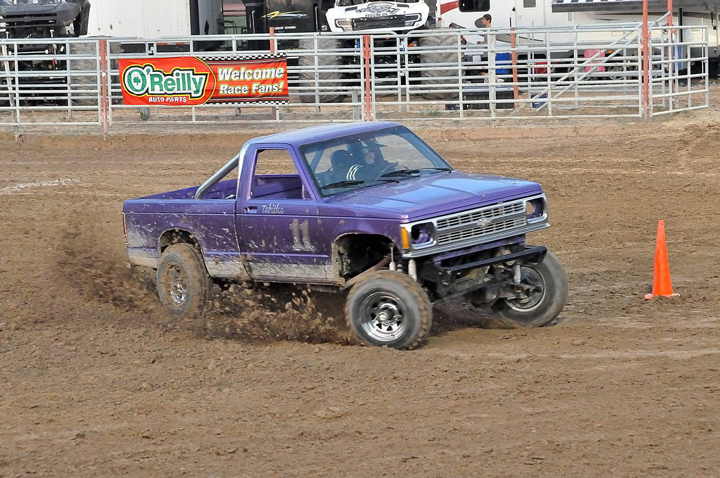 Horace Langford Jr./Pahrump Valley Times Tabitha Pritchard rounds a cone during freestyle racin ...