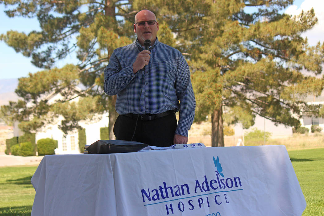 Jeffrey Meehan/Pahrump Valley Times Gavin Manley, home care clinical manager for the Pahrump o ...