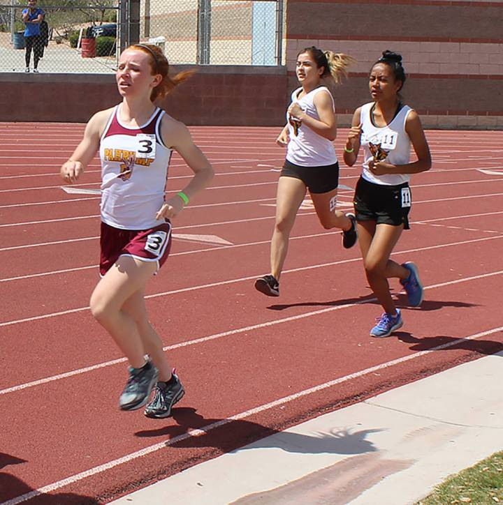 Tom Rysinski/Pahrump Valley Times Sophomore Makayla Gent of Pahrump Valley finished second in t ...