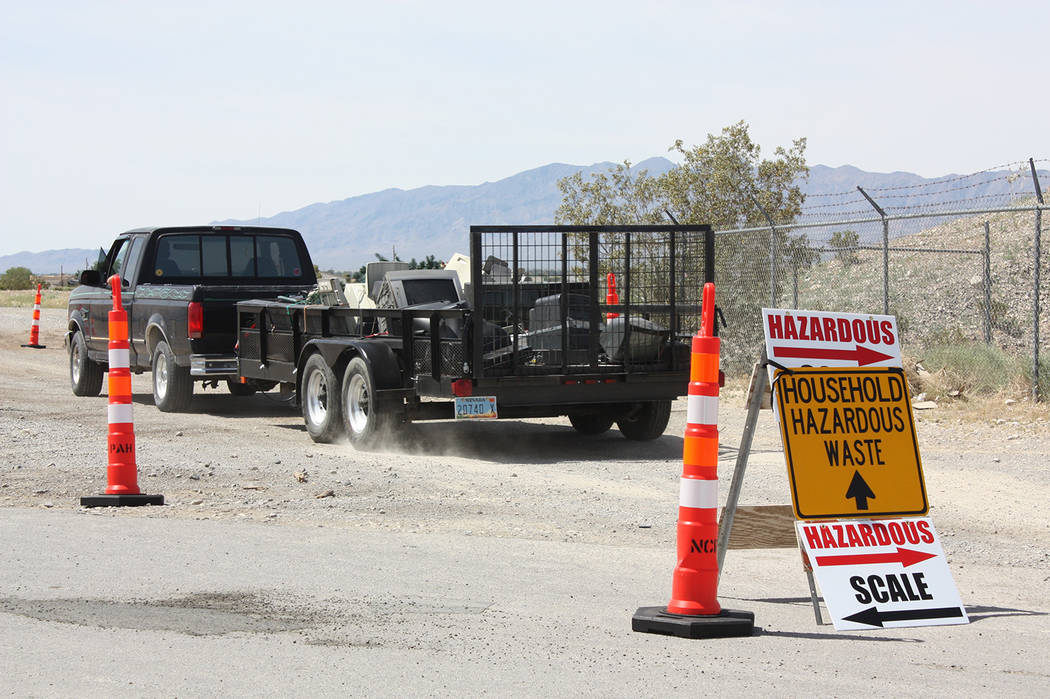 Robin Hebrock/Pahrump Valley Times A bright yellow sign directs vehicles in the proper directio ...