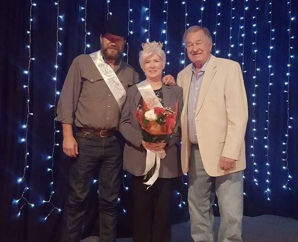 Tiffany Grigory/Special to the Pahrump Valley Times Oz Wichman (left) stands with his wife and ...