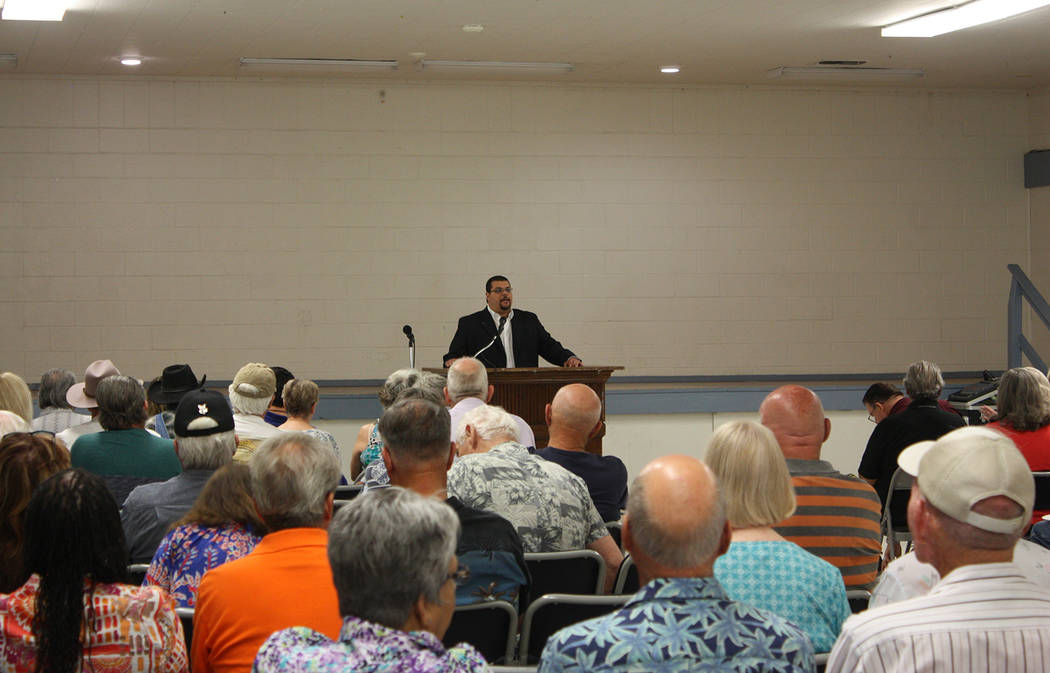 Robin Hebrock/Pahrump Valley Times Nye County Commissioner Leo Blundo addresses a crowd of appr ...