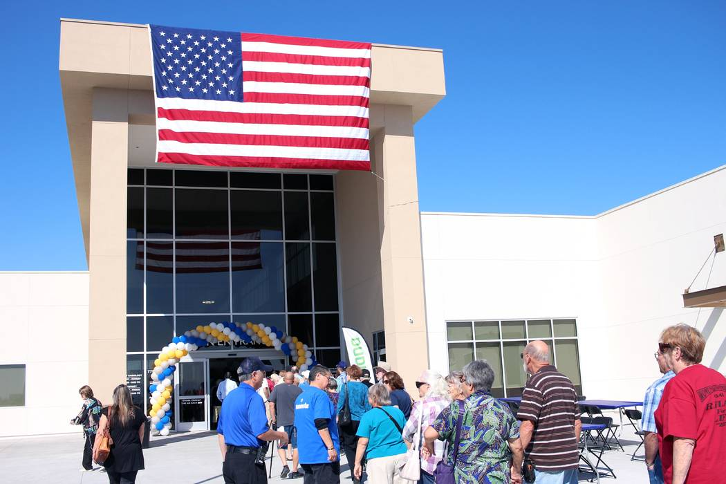 Jeffrey Meehan/Pahrump Valley Times Dozens of people lined up in the front of the new HealthCar ...