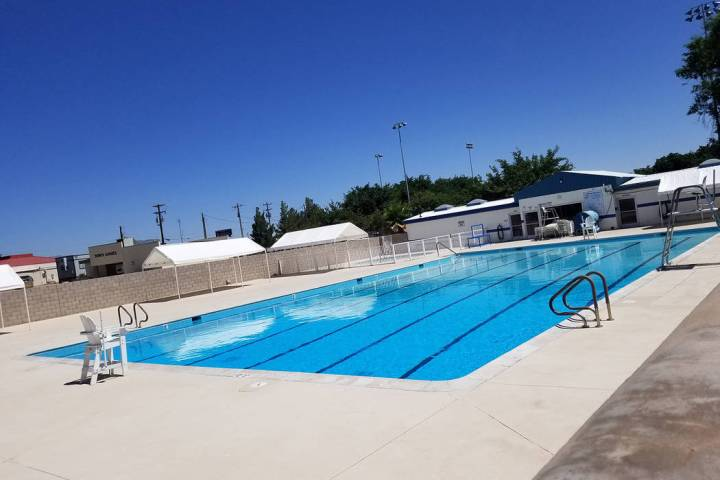 David Jacobs/Pahrump Valley Times A look at the unoccupied Pahrump community swimming pool as s ...