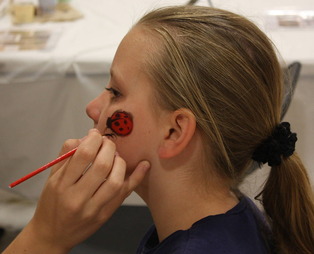 Robin Hebrock/Pahrump Valley Times To add a bit of fun to the Back to School Health Fair, artis ...