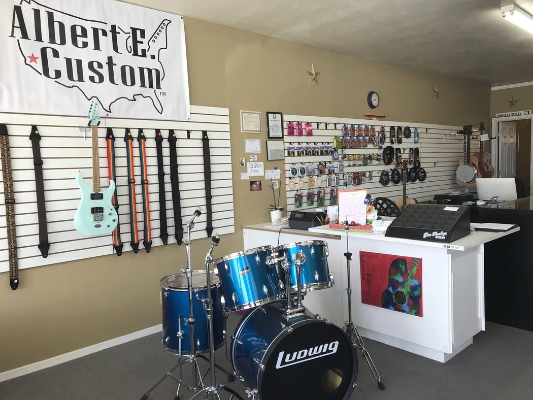 Jeffrey Meehan/Pahrump Valley Times Foxter Music in Pahrump is celebrating its third year anniv ...