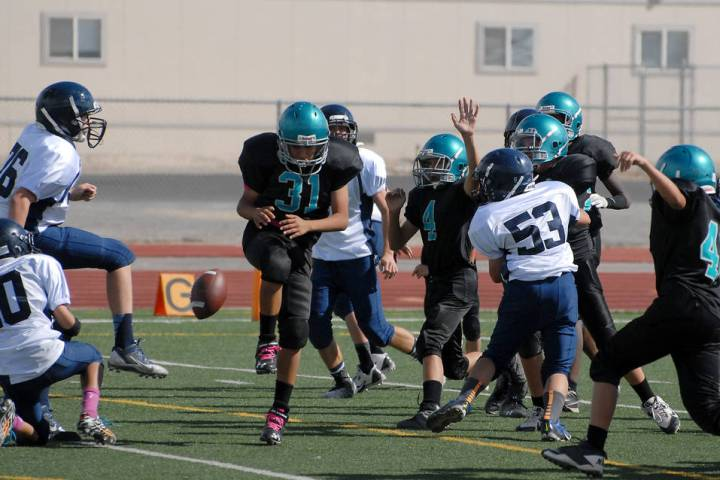Horace Langford Jr./Pahrump Valley Times Rosemary Clarke Middle School takes on The Meadows Sch ...
