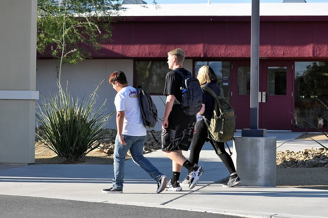 Horace Langford Jr./Pahrump Valley Times Students make their way into Pahrump Valley High Scho ...