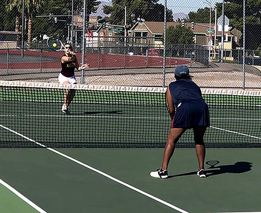 Tom Rysinski/Pahrump Valley Times Pahrump Valley junior Lisa Gaida returns a shot during a doub ...