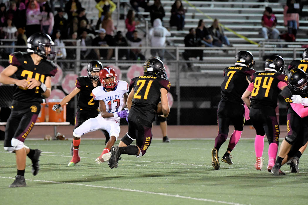 Peter Davis/Special to the Pahrump Valley Times Dylan Wright (7) and Andrew Avena (84) look for ...