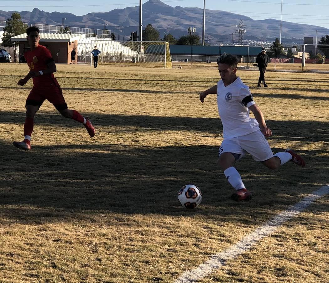 Tom Rysinski/Pahrump Valley Times Sophomore Christian Mott prepares to send the ball toward the ...