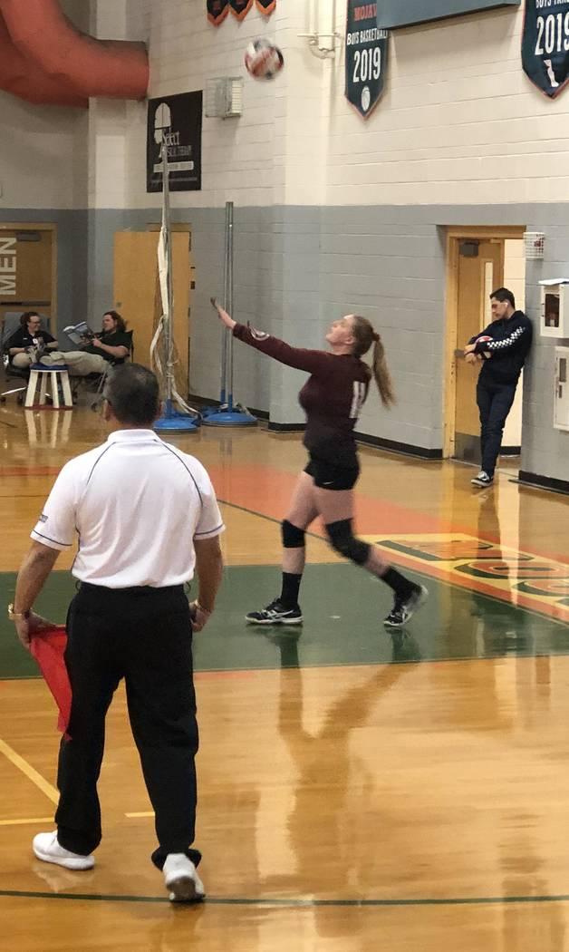 Tom Rysinski/Pahrump Valley Times Pahrump Valley senior Kylie Stritenberger lines up a serve du ...