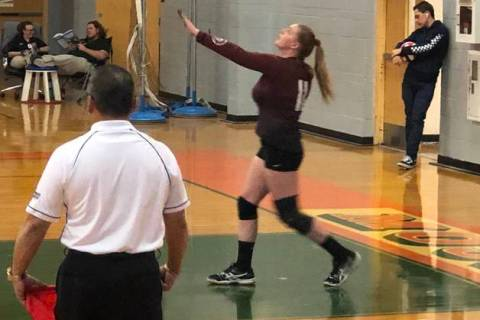 Tom Rysinski/Pahrump Valley Times Pahrump Valley senior Kylie Stritenberger lines up a serve du ...