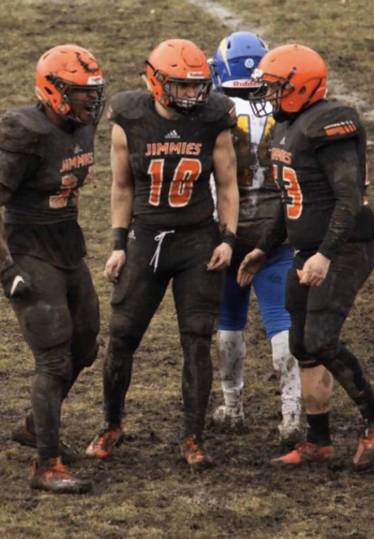 Special to the Pahrump Valley Times TJ Milk (10) made 7 tackles during a season-ending 31-10 wi ...