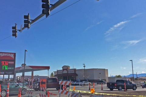 Robin Hebrock/Pahrump Valley Times Construction on the intersection of Highway 160 and Homestea ...