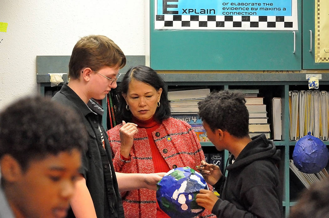 Horace Langford Jr./Pahrump Valley Times A look at state Superintendent Jhone Ebert visiting R ...
