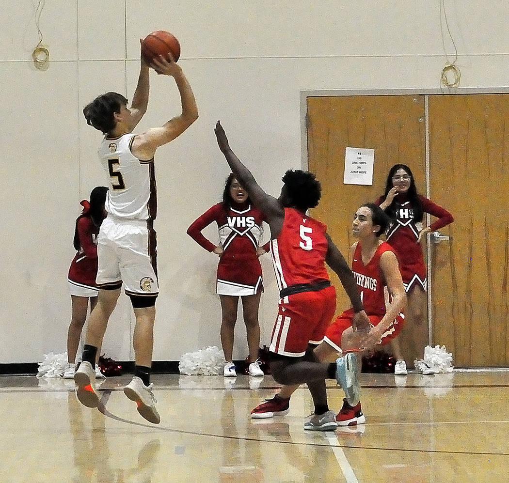 Horace Langford Jr./Pahrump Valley Times Pahrump Valley High School junior guard Logan Gavenda ...