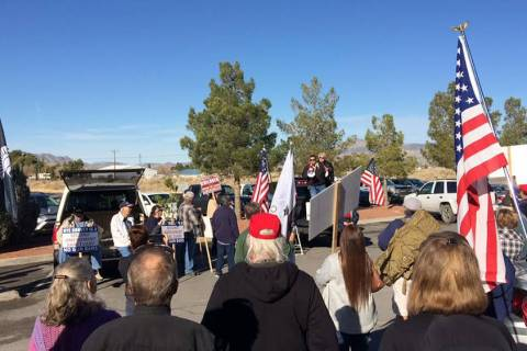 Robin Hebrock/Pahrump Valley Times The Pahrump Community Library parking lot was filled with re ...