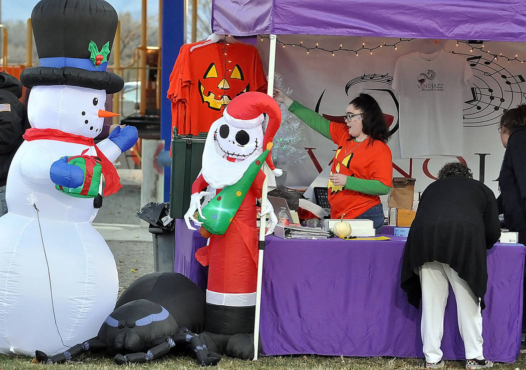 Horace Langford Jr./Pahrump Valley Times There were plenty of vendors out at the Christmas Par ...