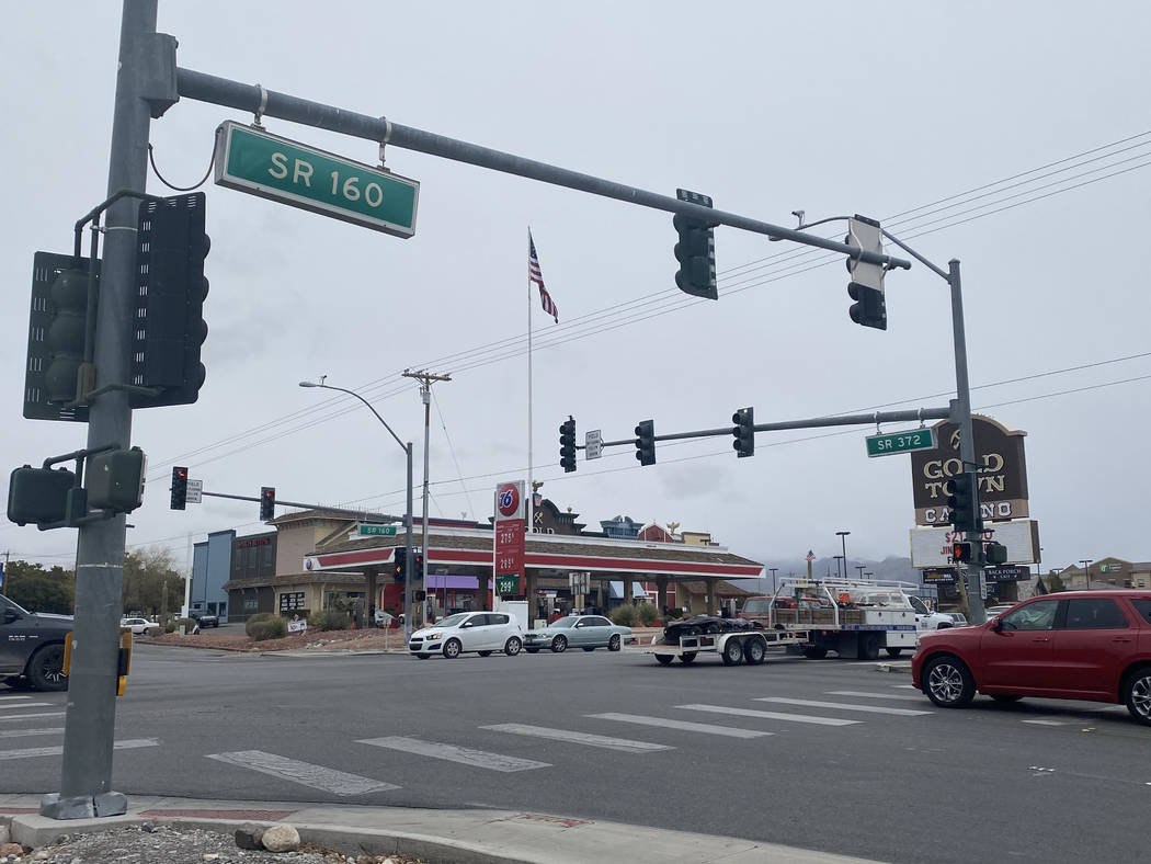 Jeffrey Meehan/Pahrump Valley Times Highway 160 was clear on Thursday in Pahrump, but the highe ...