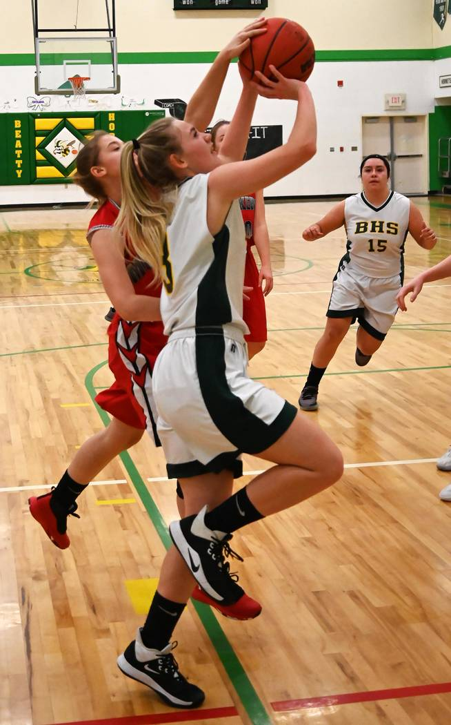 Richard Stephens/Special to the Pahrump Valley Times Beatty's Carmen Stephenson drives the base ...