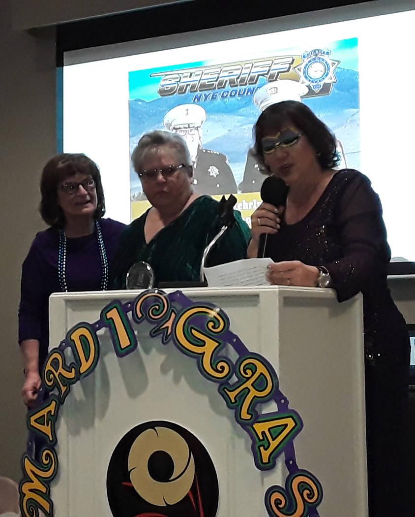 Selwyn Harris/Pahrump Valley Times Soroptimist International Pahrump Valley member Linda Fitzgi ...