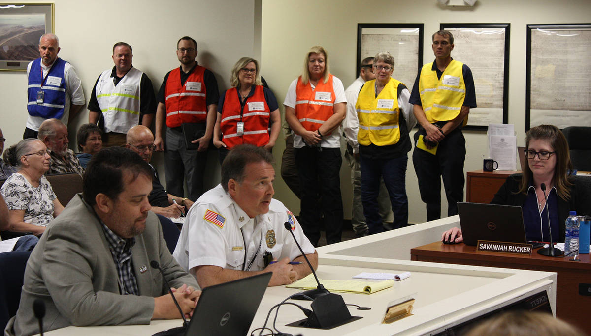 Robin Hebrock/Pahrump Valley Times Nye County Emergency Management Director Scott Lewis (right ...