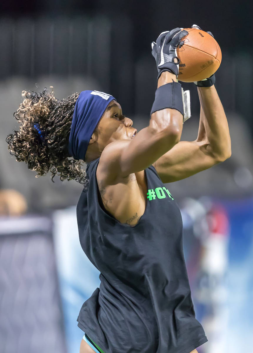 Special to the Pahrump Valley Times Dominique Maloy of Pahrump catches a pass during a Seattle ...