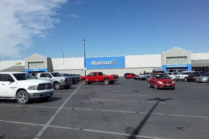 Selwyn Harris/Pahrump Valley Times Walmart announced a new round of bonuses in mid-May. With t ...