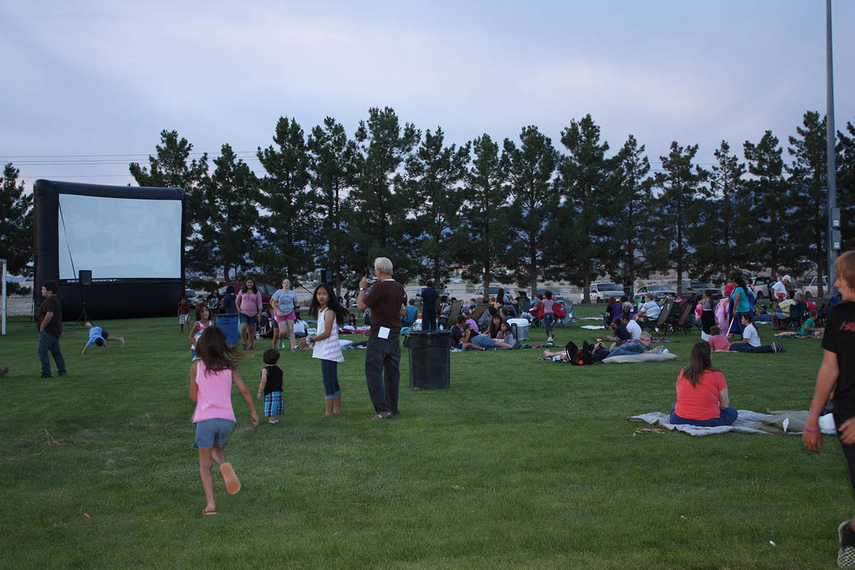 13791575_web1_Mirror-Movies-in-the-Park.jpg
