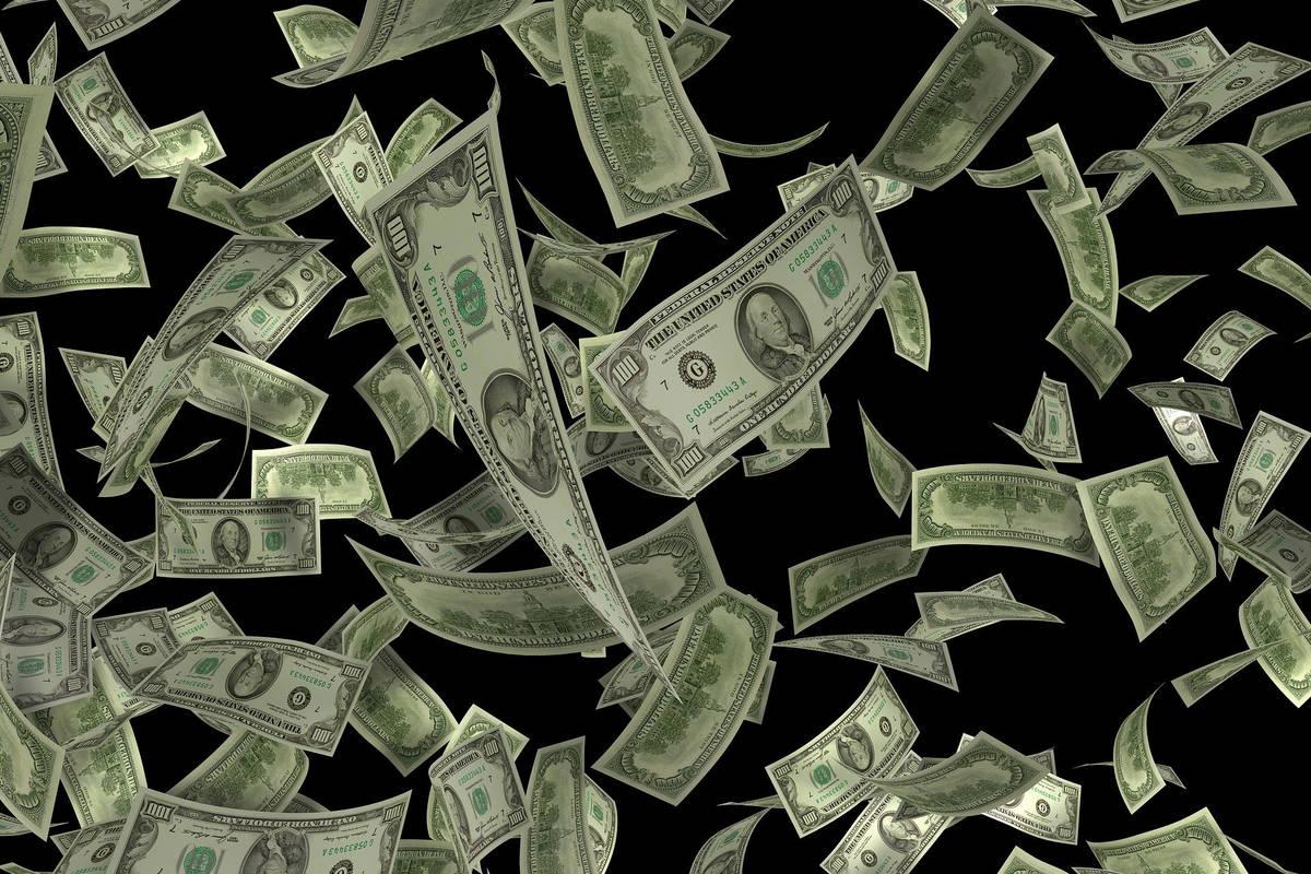 13836748_web1_cash-flow.jpg